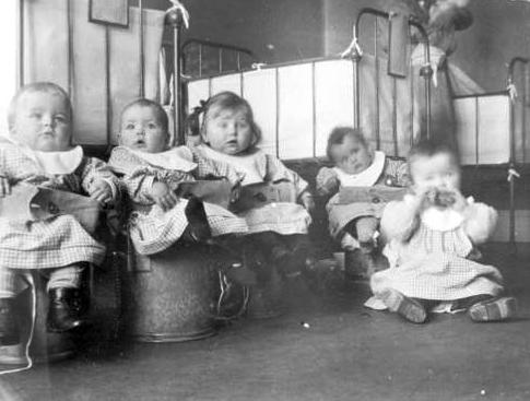 Potträning på Gillbergska barnhuset 1918