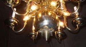 Ljuskronan i Östuna kyrka
