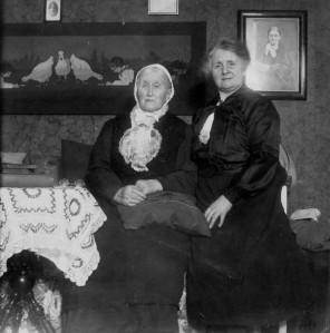 Faster Emma med Ellens syster Hilma
