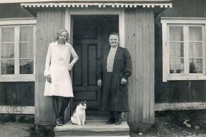 Min mammas konfirmation, mormor och katten Mattias 1931