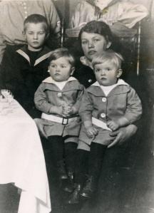 Elin med sönerna