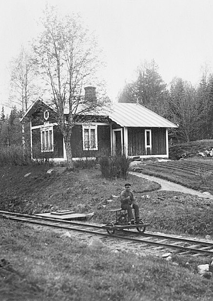 Banvaktsstuga i Kroktjärn Källa: commons.wikimedia.org