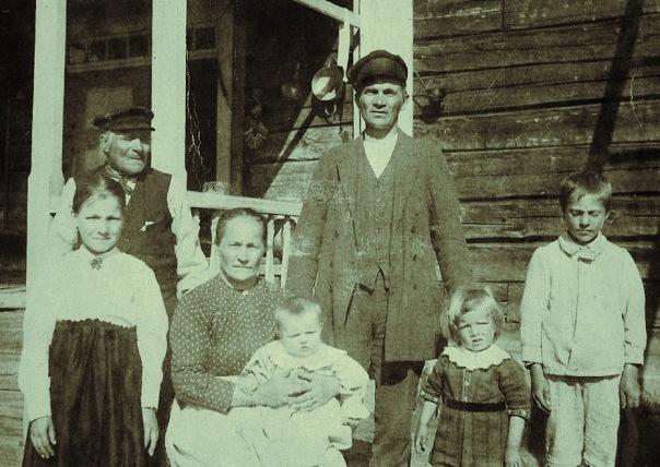 Johan Henrik och familjen Mäkitalo