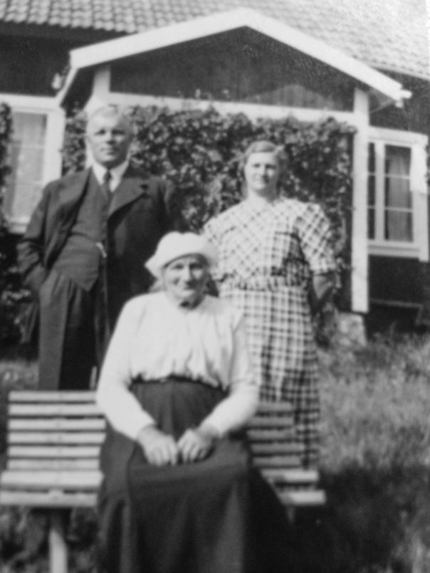 Mathilda Ståhl med sonen Valder och dottern Ester