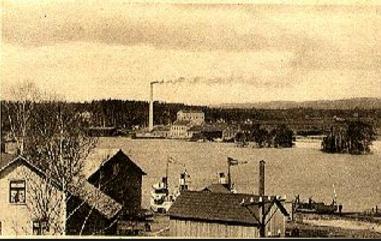 Bengtsfors sulfitfabrik vid sjön Lelången omkring 1920