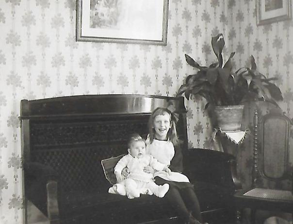 Irma med paret Berglunds dotter